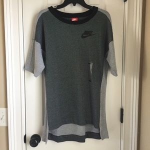 NIKE women's knit tee Size Small NEVER WORN